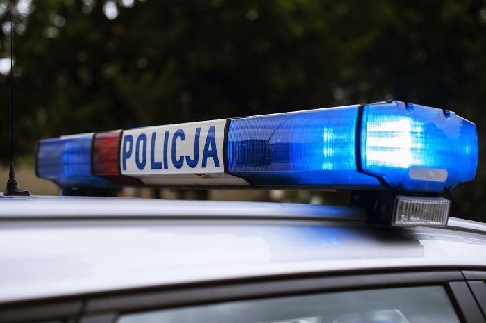 Policja Rzeszów: Miś - policjant ze świąteczną wizytą u dzieci
